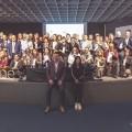 Foto di gruppo per i 103 produttori selezionati da Wine Spectator per Opera Wine 2020